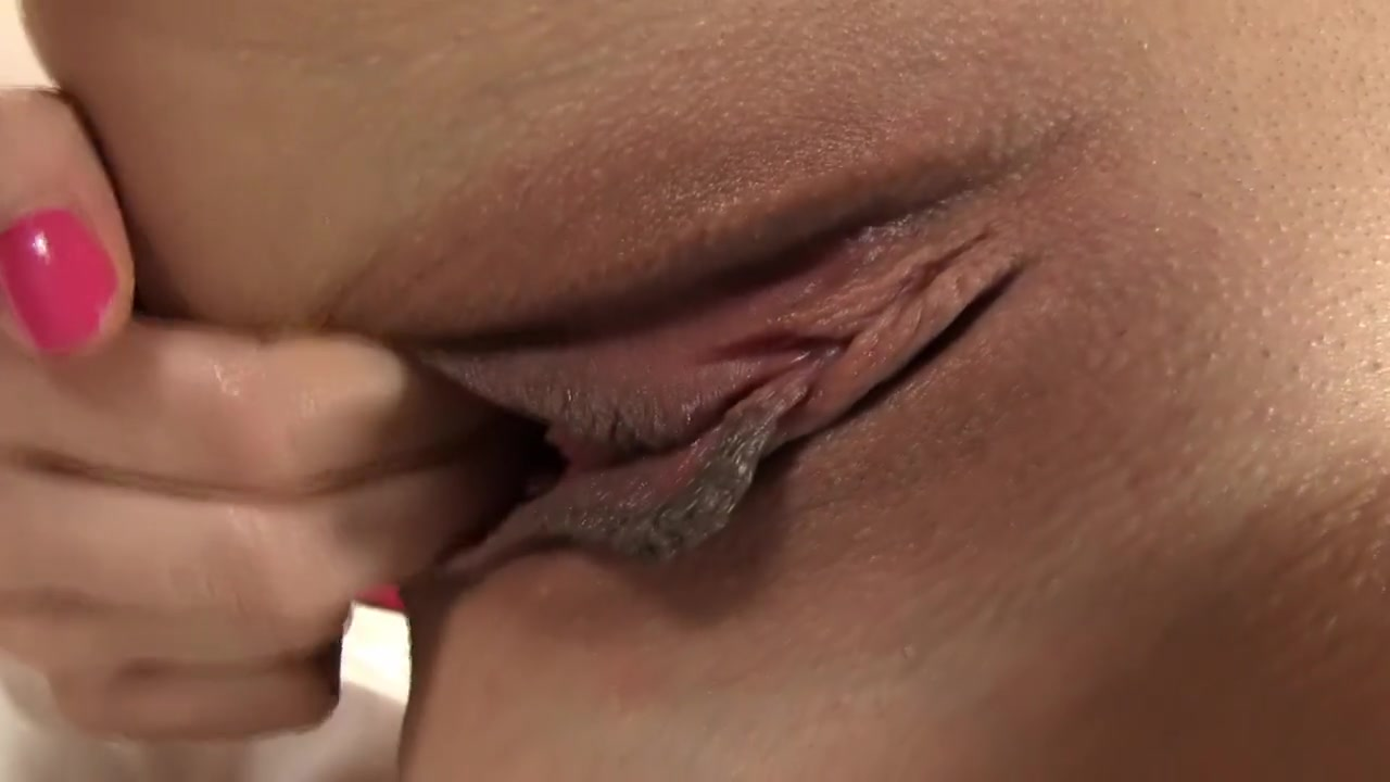 Solo Latina Fingering Pussy