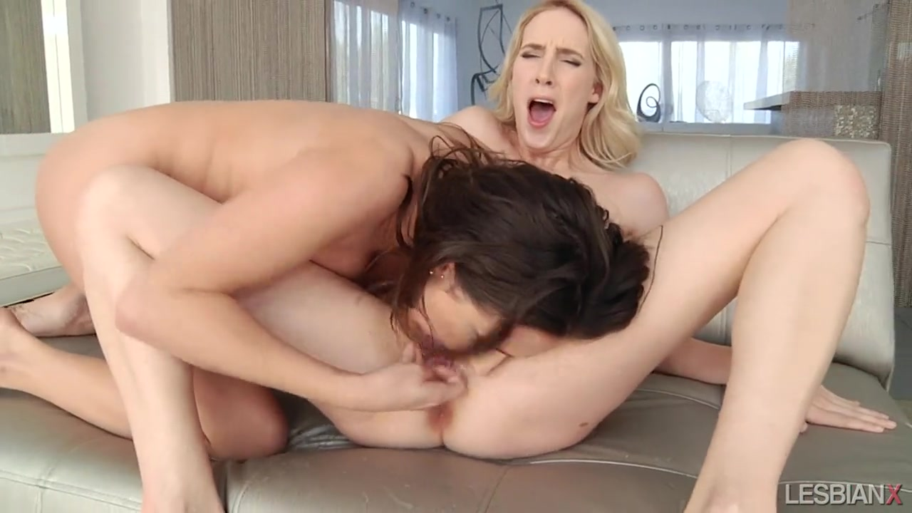 Lesbian Squirt While Fingering