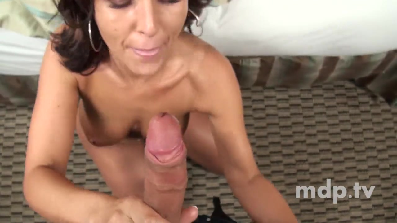 Wife Licks Pussy First Time