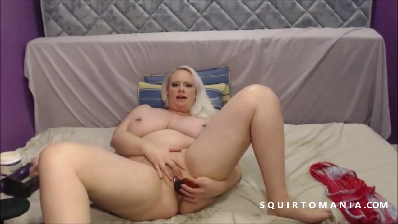 Free Hd Big And Beautiful Blond Girl With Huge Tits Squirting On