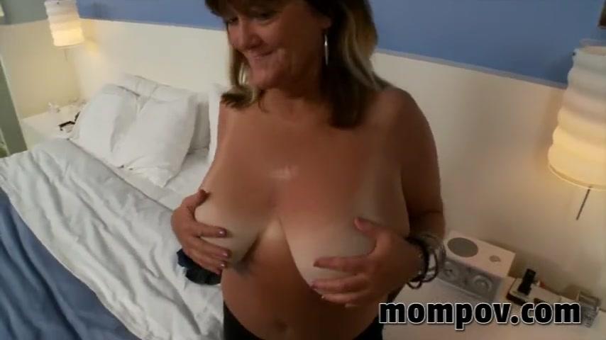 free big tit mom porno