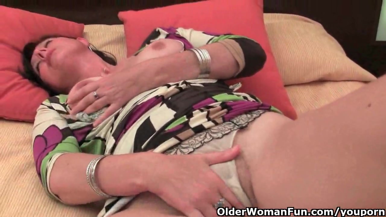 Moms with big tits and hairy pussy pron Free Hd Mature Mom With Big Tits And Hairy Pussy Needs To Get Off Porn Video