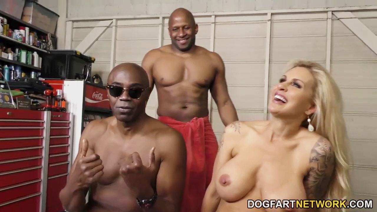 Big Booty Latina Bbc Threesome