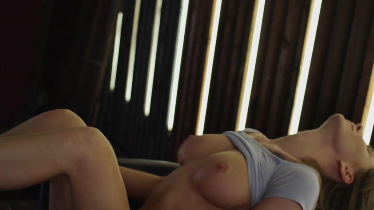 Nude eva lunichkina Alexa Losey