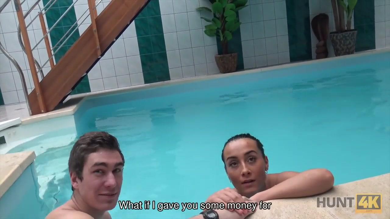 Call girl in Pool
