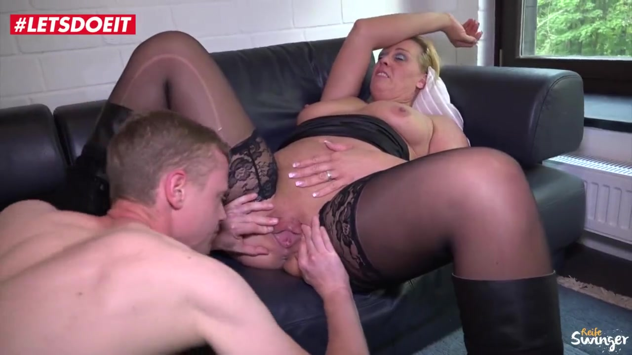 Gay bareback butt sex
