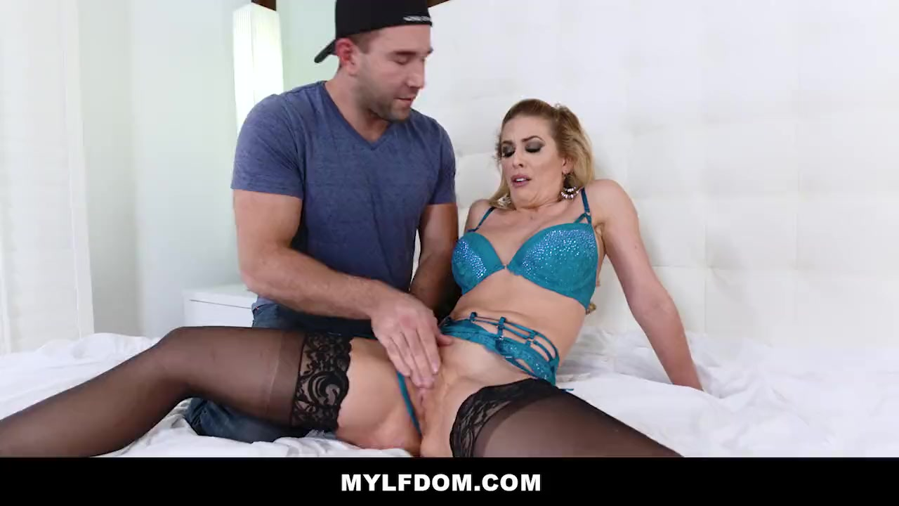 Milf Tied Up Fucked Machine
