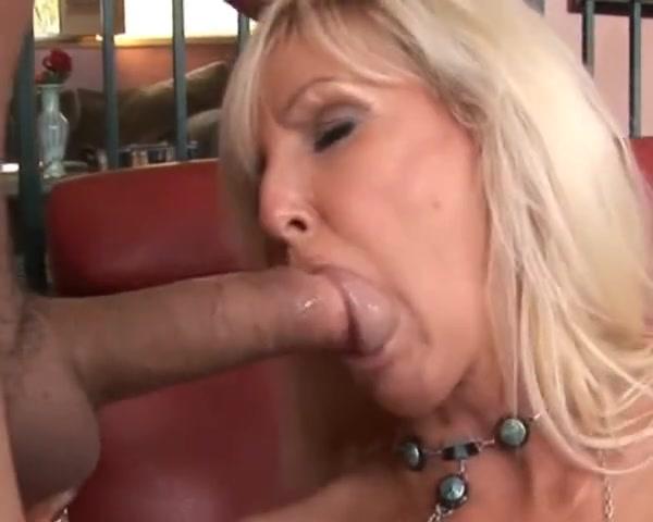 Lightskin Ebony Sucking Dick