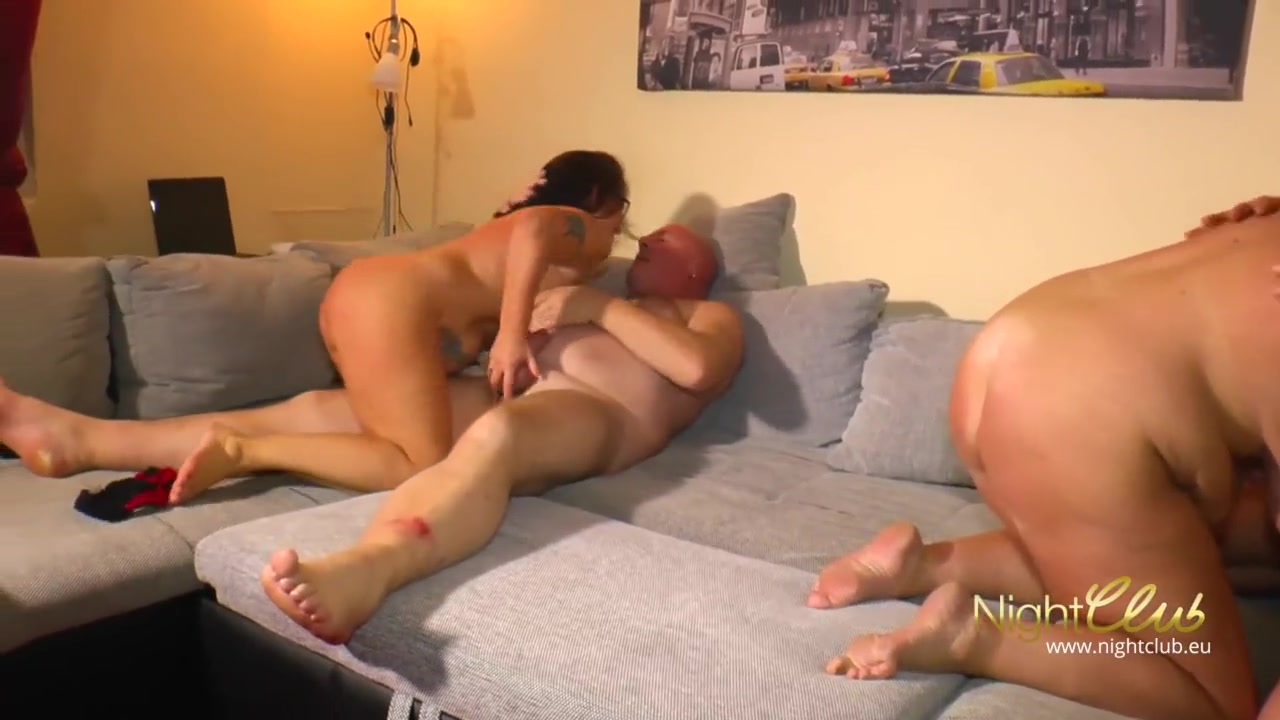Amateur Couple Kissing Fucking