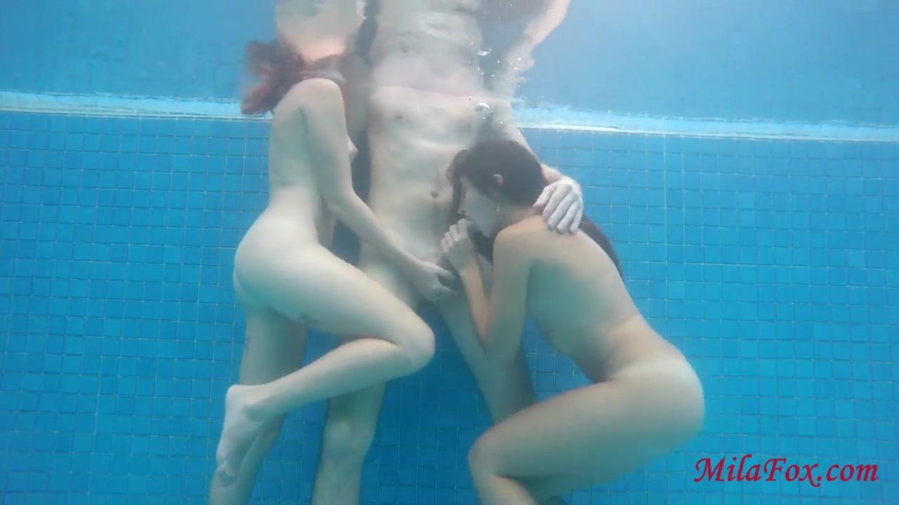 Teen Pool Sex Underwater
