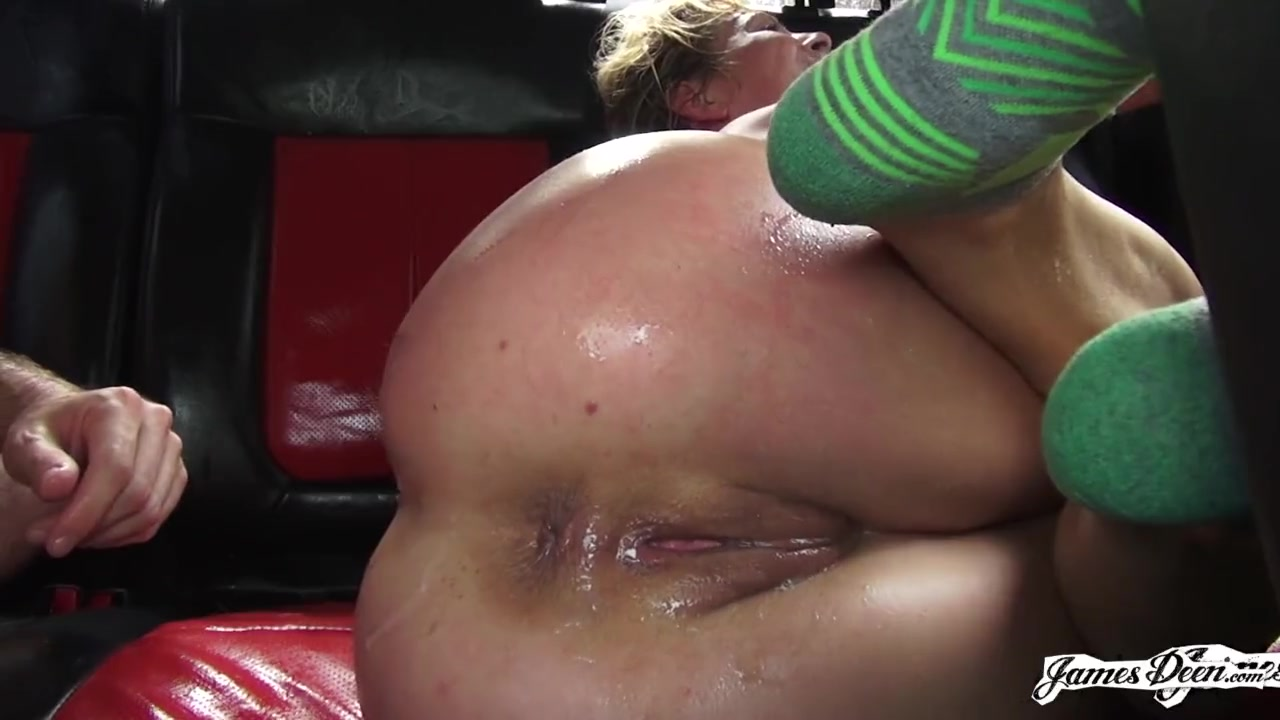 Two Milfs Fuck Each Other