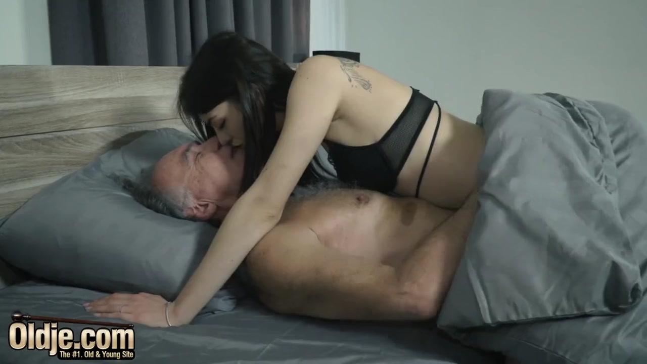 Homemade Mature Cock Sucking