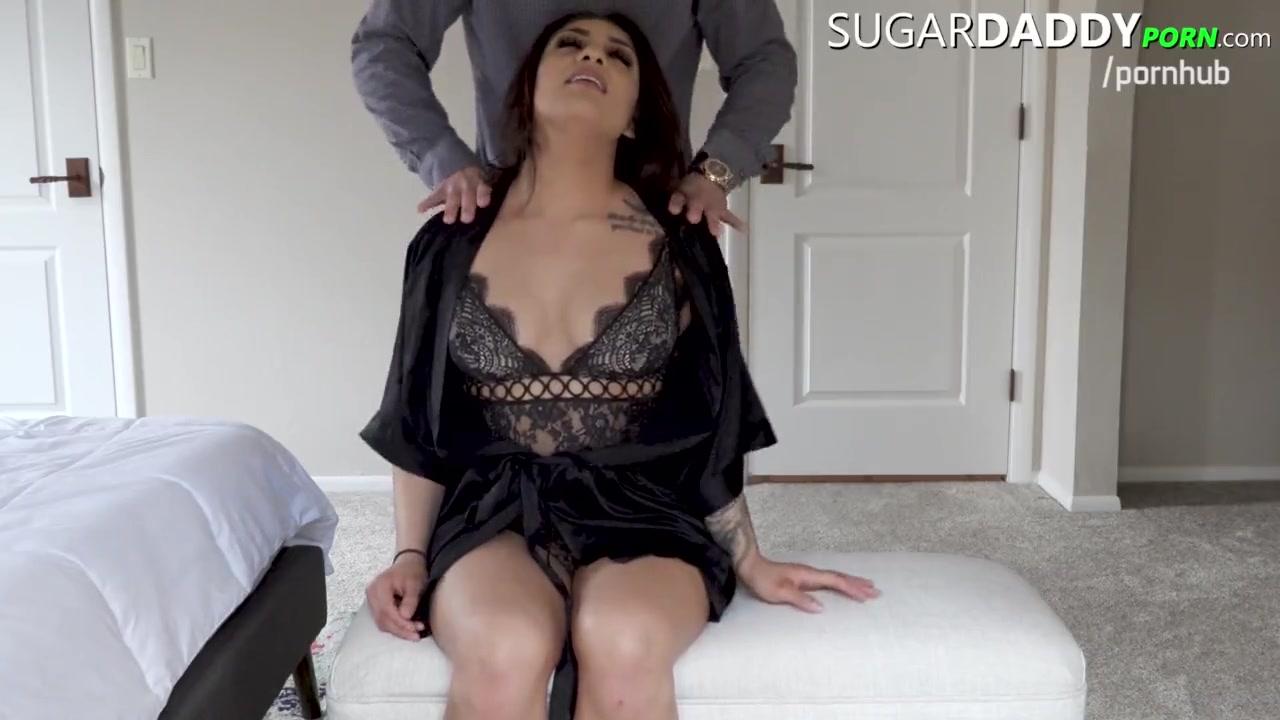 Big Booty Latina Candid