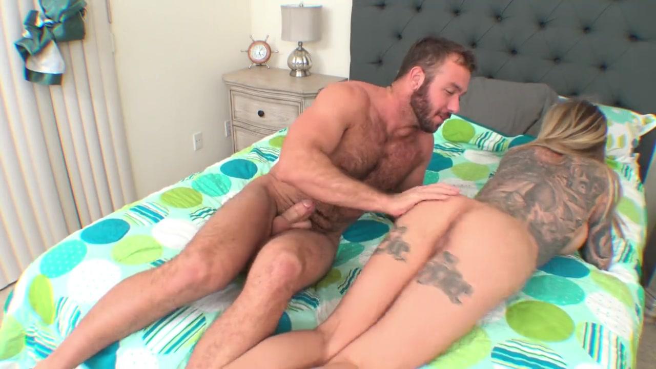 HUGE. Kostenlose XXX-Bilder, beste Porno-Fotos und heißer Sex